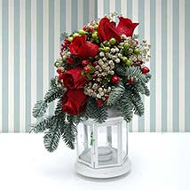 Holidays Table Runner: Flower Delivery in Al Ain