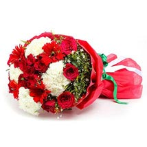 Luxurious Delight: Same Day Bouquet in Abu Dhabi