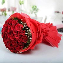 Magical Red Roses: Valentine Flower Bouquets to UAE