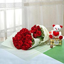 Passionate Gift Of Love: Valentines Day Flower Bouquets UAE