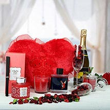 Perfect Hamper To Celebrate: Send Gift Hampers to UAE