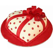 Special Hearshape Cake: Cake Delivery in UAE