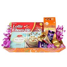Sweet n Chocolaty Hamper: Send Sweets to UAE