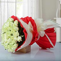 Timeless Bunch of Roses: Valentines Day Flower Bouquets UAE