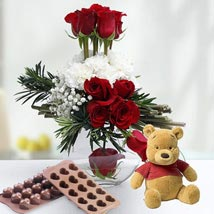 Valentine Rose Combo: Chocolates for Eid UAE