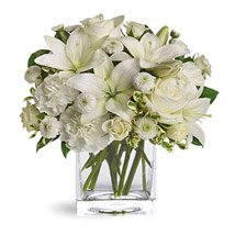 White Beauty: Same Day Condolence Flowers in UAE
