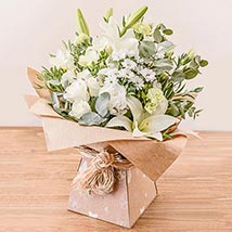 Evelyn Arrangement: Flower Delivery in London UK