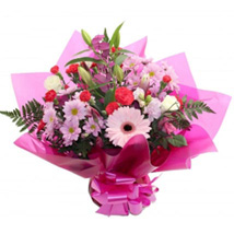 Gift For Mum: Send Flowers to UK
