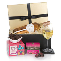 Hamper For Her: Send Anniversary Gifts to London