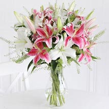 Mixed Lilies: Send Anniversary Gifts to London