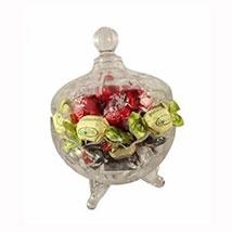 Sweet Royal Platter: Gift Hampers to UK