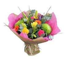 Vibrant Stylish Bouquet: Fathers Day Gifts to UK