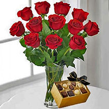 12 Red Roses With Chocolates: Gifts for Anniversary in USA