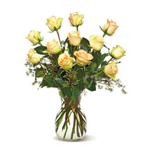 A Dozen Cream Roses: Send Birthday Gifts to Santa Clara