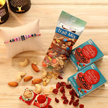 An Exotic gift of Rakhi: Rakhi with Dryfruits to USA