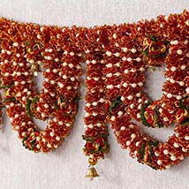 Classic Red N Green Toran: Send Bhai Dooj Gifts to USA