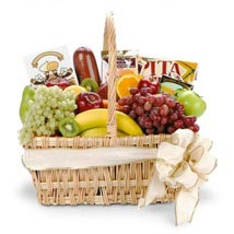 Gourmet Fruit Basket: Christmas Gift Hampers USA