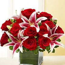 Red Rose and Lily Cube: Send Mixed Flowers to USA